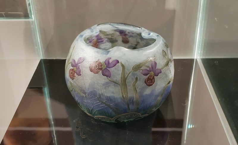 Мануфактура братьев Дом, Франция, Нанси. Ваза с изображением орхидей. 1895-1900.
