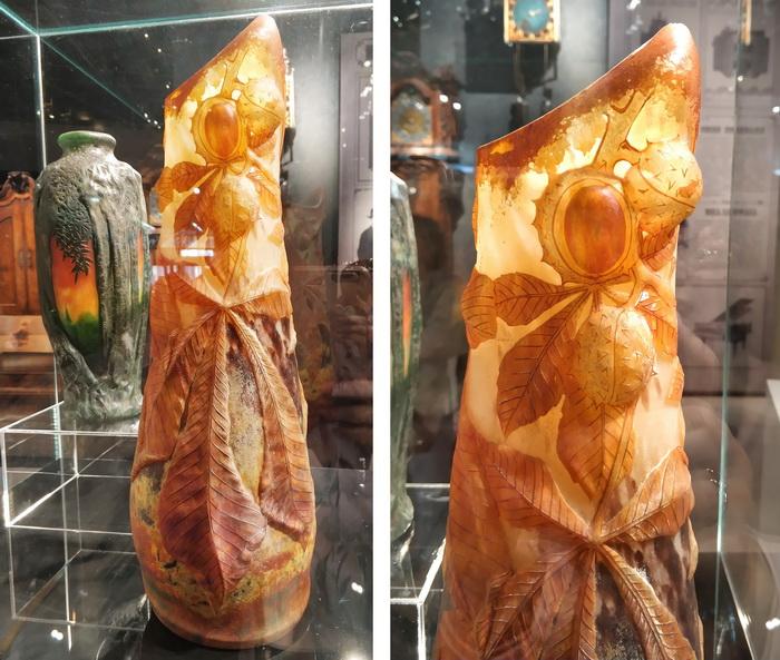 Мануфактура братьев Дом, Франция, Нанси. Ваза в виде древесных стволов. Начало 20 века. Ваза с изображениями листьев и плодов каштана. Около 1900.