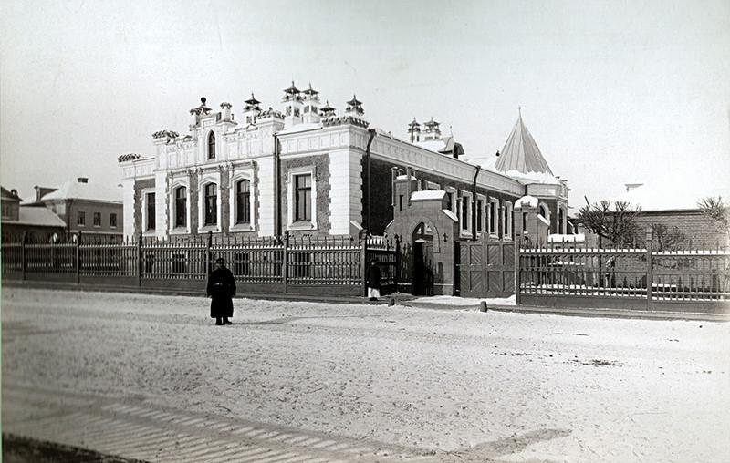 Особняк А.А.Бахрушина. Общий вид с юго-востока. Фото 1900-е.