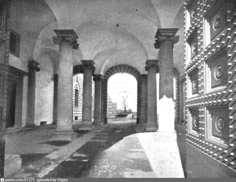 Проездной двор особняка Тарасова. Фото 1912.
