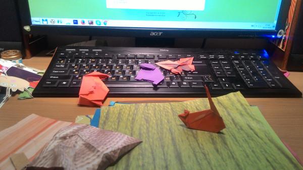 Зачем бездомным оригами? Один день из жизни волонтёра «Ночлежки»
