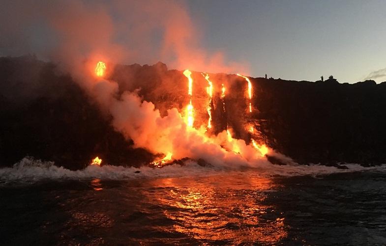 Kilaue-a-lava-v-okeane