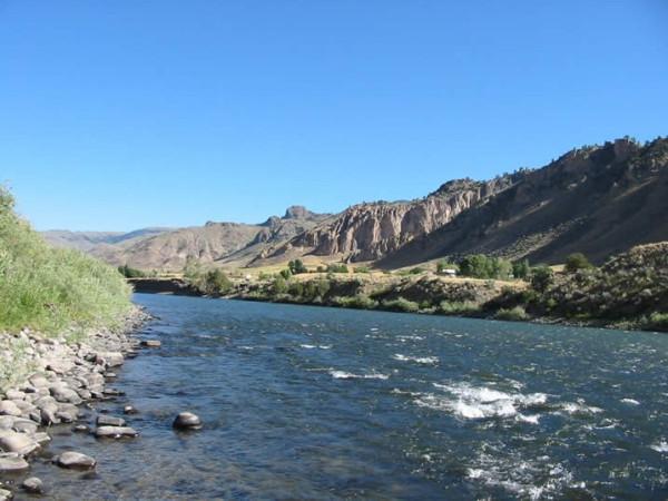 Yelloustoun-river
