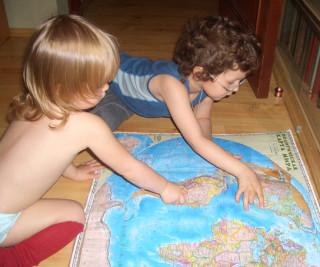 Интересные познавательные занятия и игры с детьми - География - карты - пазлы