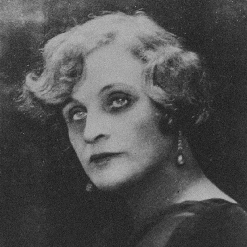 Тэффи (Надежда Лохвицкая), Париж, конец 1920-х — начало 1930-х. Фото: П.Шумов / wikipedia.org