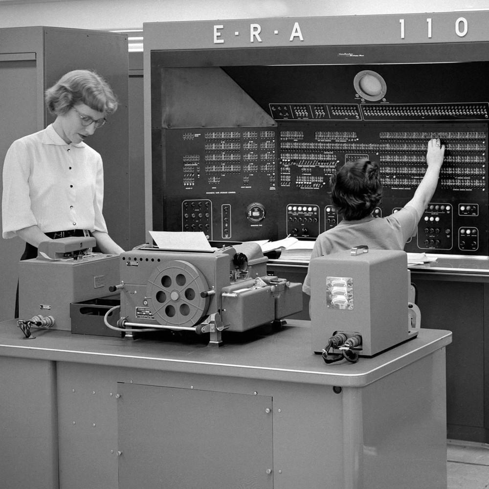 Компьютер E.R.A./Univac 1103 в 1950-х. Фото: Hum Images/Alamy