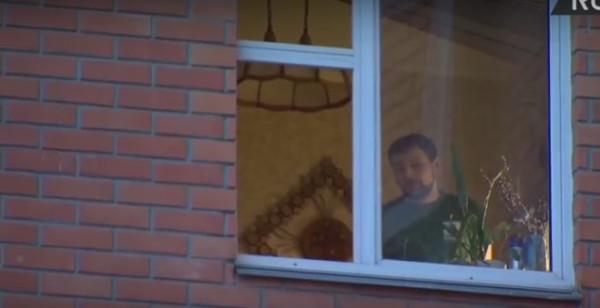 В Москве мужчина взял в заложники свою семью и требует убежища в КНДР