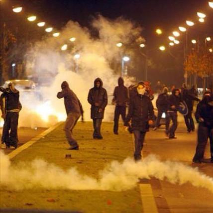 Ъ - В Бирюлево идут массовые беспорядки 2013-10-13 22-41-45
