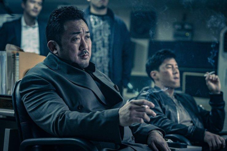 (кадр из корейского фильма «Бандит, полицейский, дьявол»)