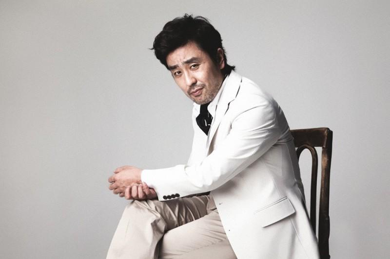 (на фото актер Рю Сын Рён)