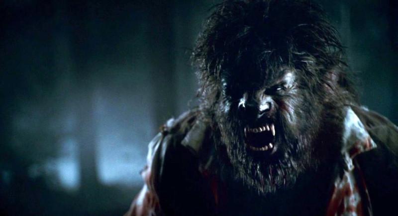 Кадр из «Человека-волка» 2010 года