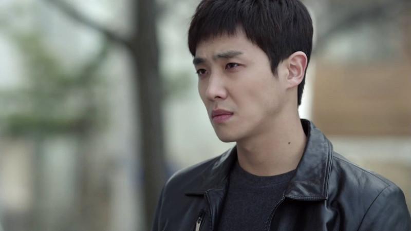 "Ли Джун в ""Вампире-детективе""."