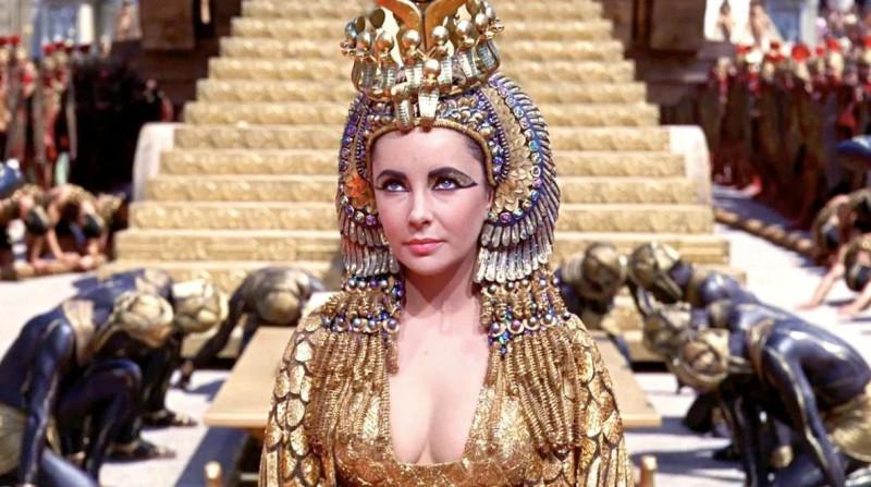 Элизабет Тейлор в роли Клеопатры 1963 г.