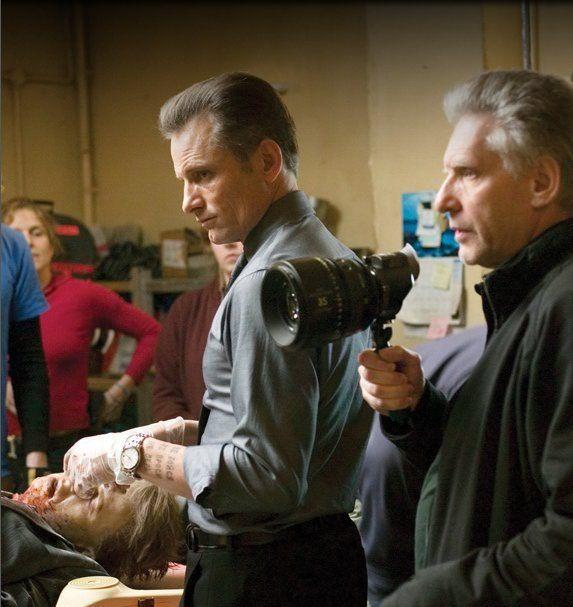 """Вигго Мортенсен и Дэвид Кроненберг на съёмках """"Порока на экспорт"""""""