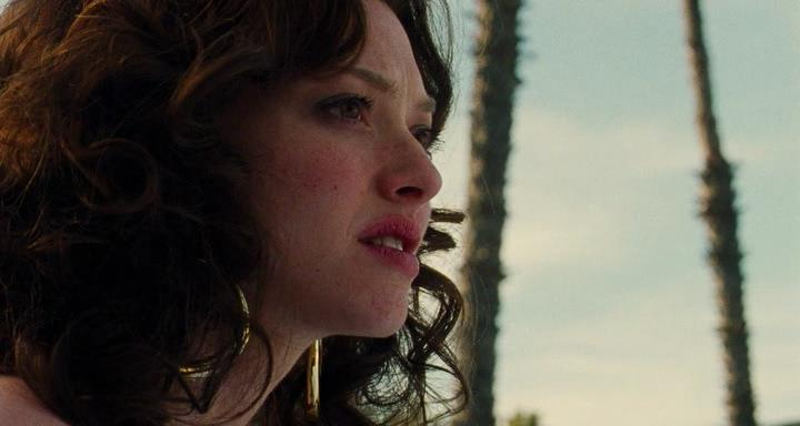 Lovelace.2013.D.HDRip.avi_snapshot_00.28.00_[2014.03.15_01.50.35]