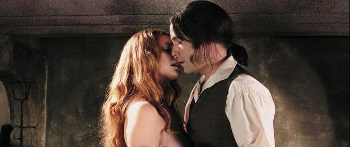 Dracula.2012.P.HDRip.1.46Gb.avi_snapshot_00.33.04_[2014.03.17_00.12.11]