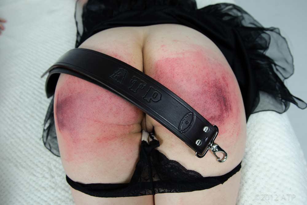 наказание по попе ремнем девушек фото этого
