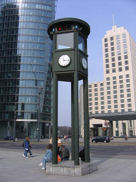 450px-Potsdamer_Platz_2005_110   1