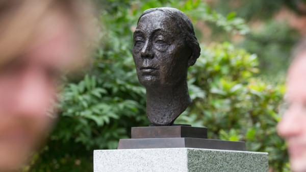 Käthe Kolwitz-Denkmal Spreebogen