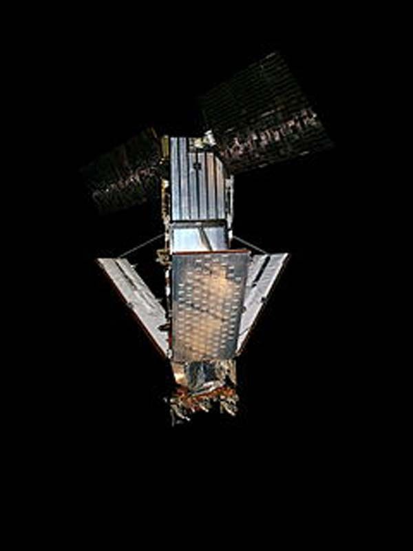 Iridium_satellite_replica