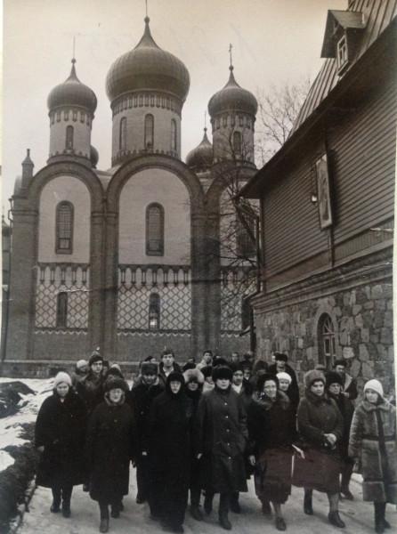 Монахиня 1988