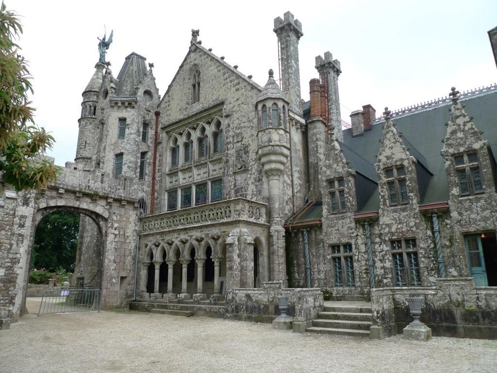 Замок Кериоле (Бретань, Франция)