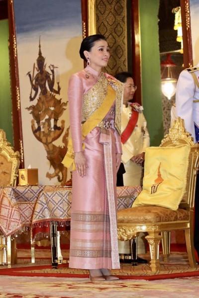 Королевы династии Чакри