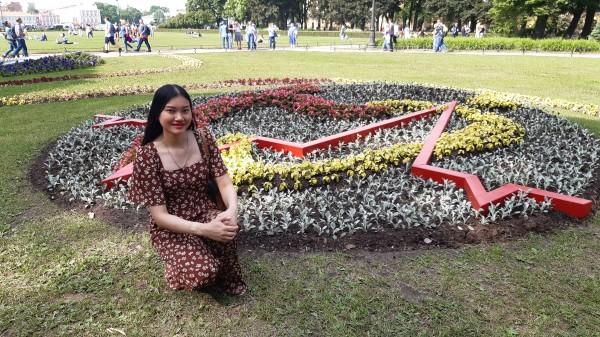 «Фестиваль цветов»  с ароматом науки  в  Александровском саду