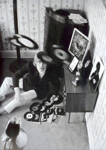 Звезды «кружат диски»-2 меня», звездмеломанов, побольше, будет, подскажу, персонажиисключительно, музыканты, знаете