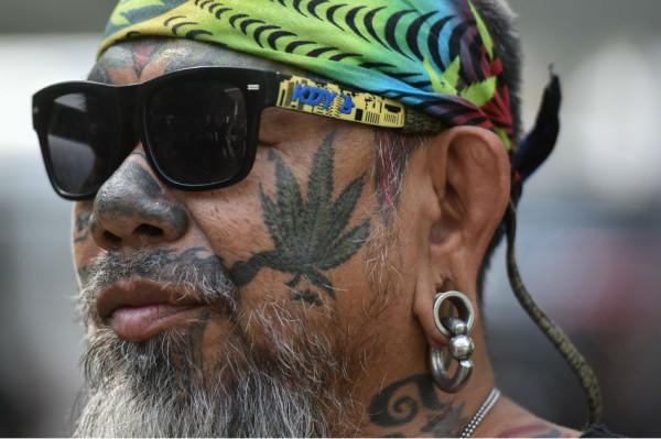 Тайский подарок к Новому Году - «мама-марихуана»