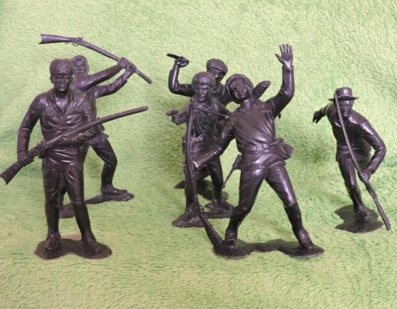 «Трапперы» - один из популярных наборов больших солдатиков СССР. Обзор и 1