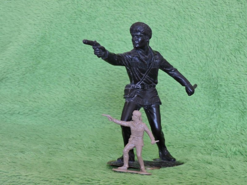 «Трапперы» - один из популярных наборов больших солдатиков СССР. Обзор и 8