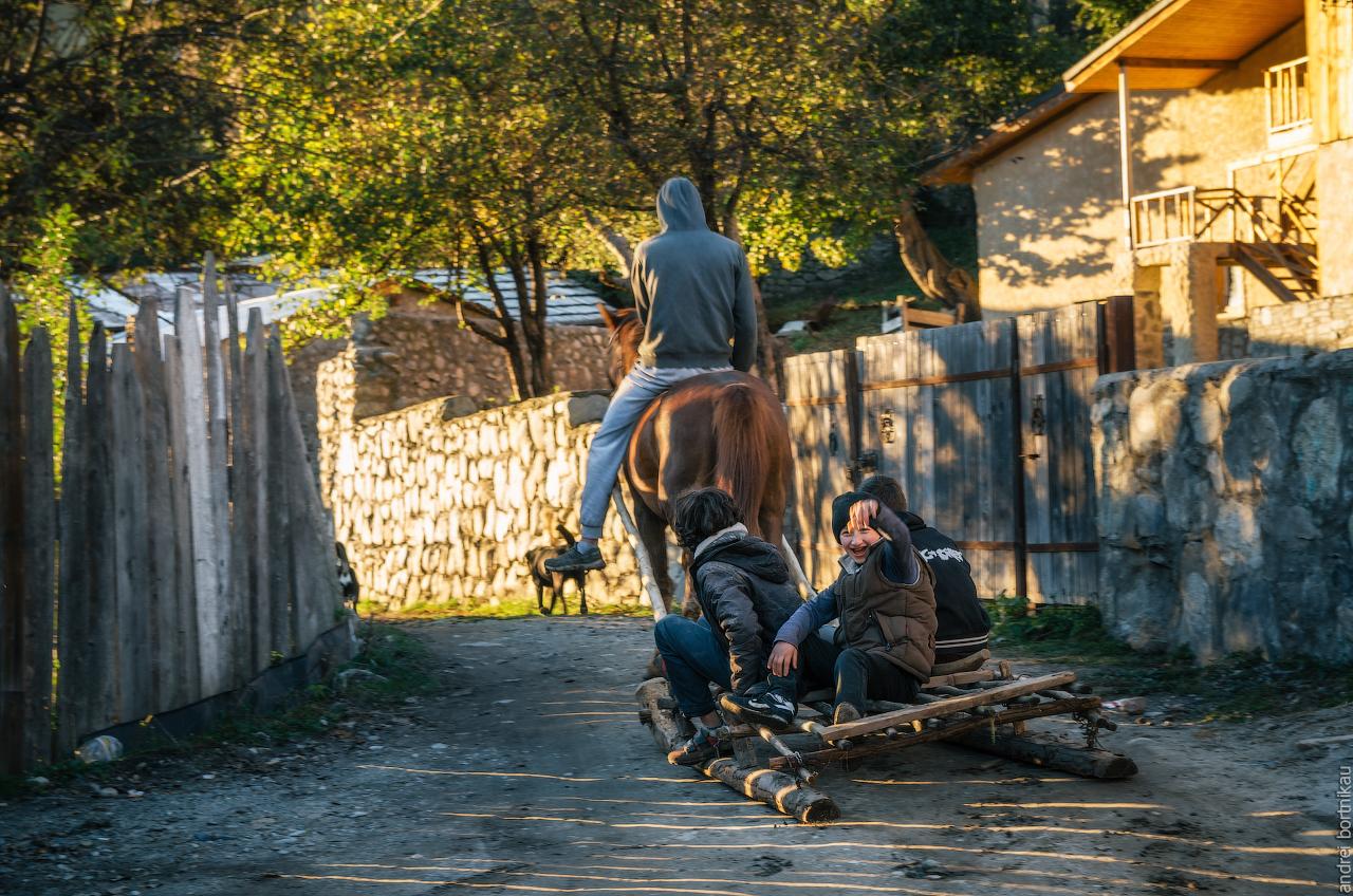 Сваны - местные жители Местии, Верхняя Сванетия, Грузия