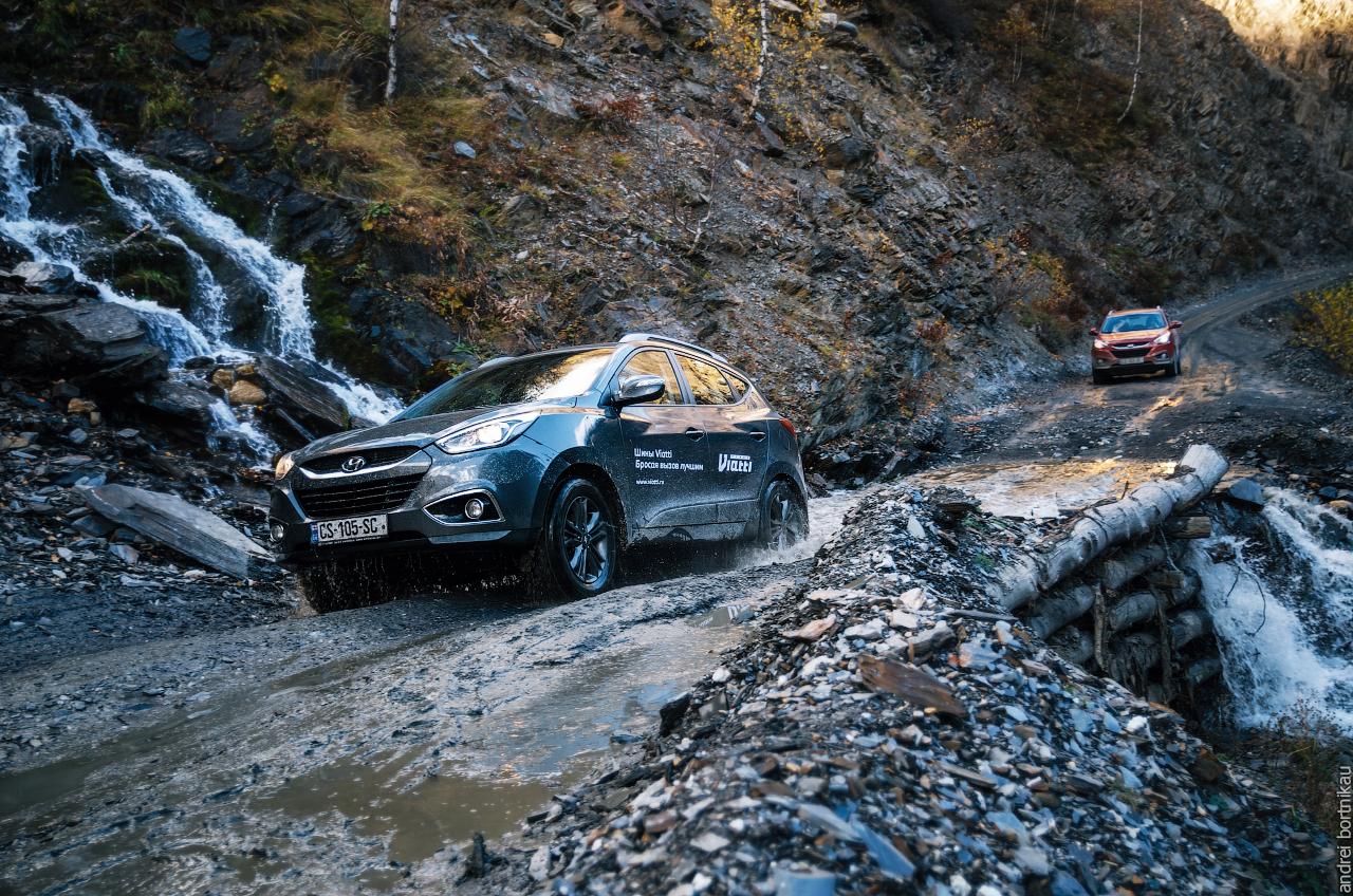 Опасная дорога в Ушгули, Верхняя Сванетия, Грузия