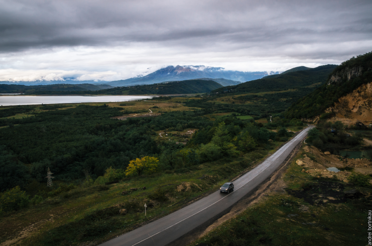 Пейзаж региона Рача-Лечхуми, Грузия