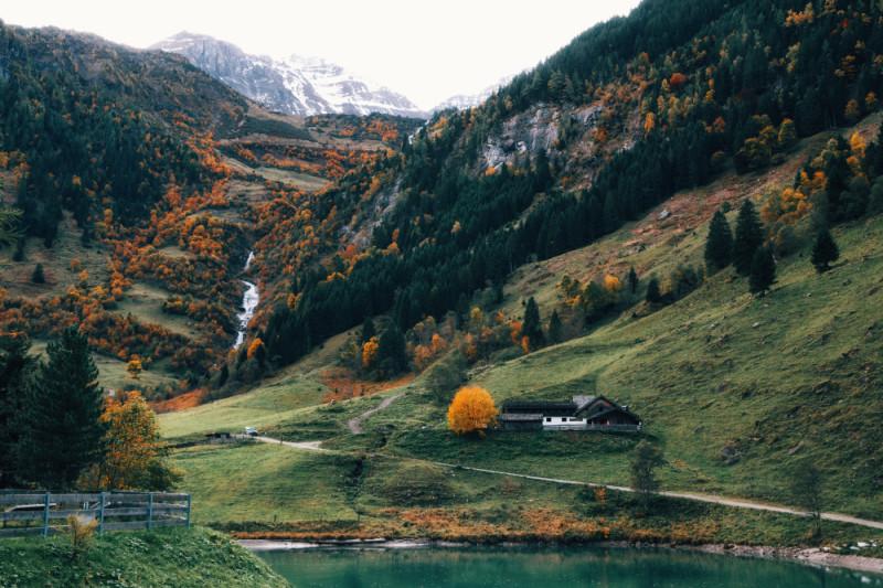 У Высокогорной дороги Гросглоккнер, Австрия