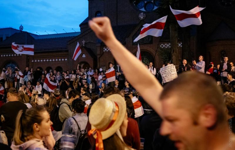 25/08 Мемориал погибшим в уличных протестах, площадь Независимости.