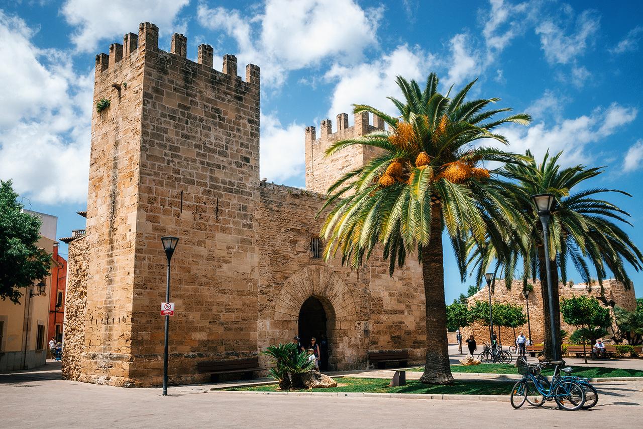 Главные ворота, Алькудия, Майорка