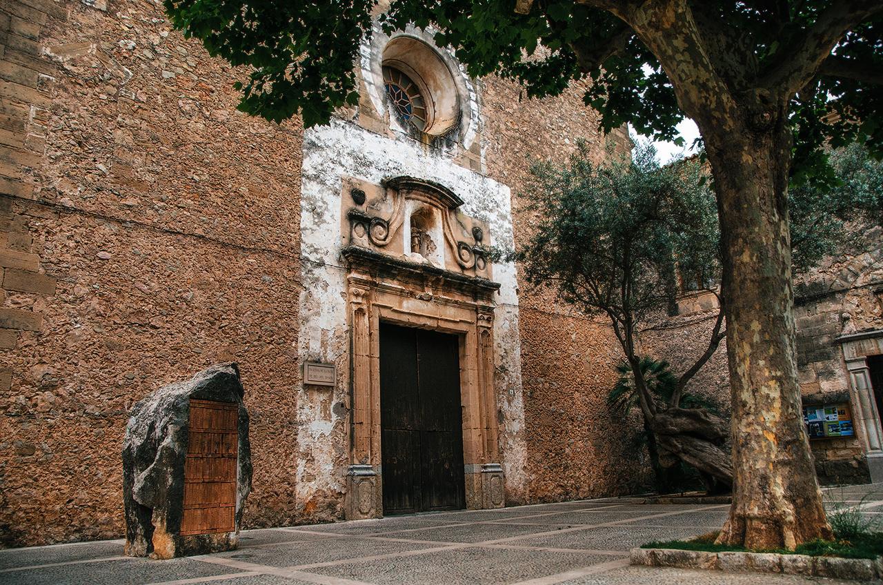 Доминиканский монастырь. Монастырь Санто-Доминго-де-Польенса, Майорка