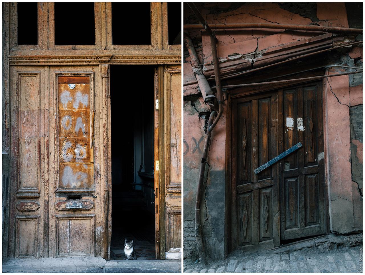 Дверь в подъезд дома, Тбилиси