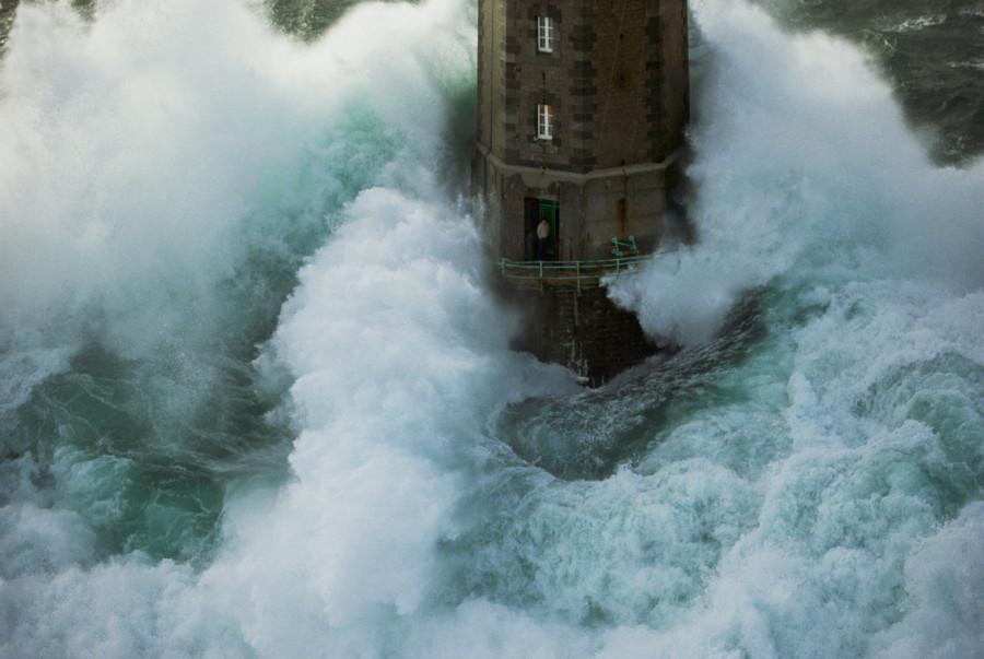 lighthouse-jean-guichard1