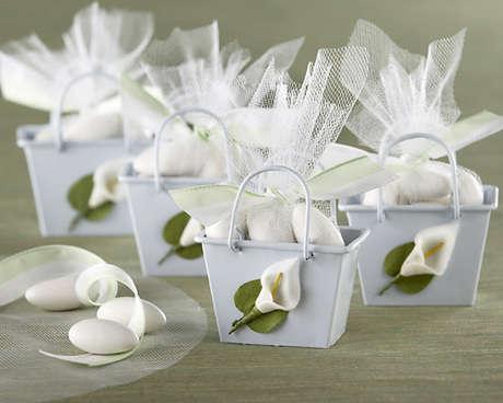 Подарки невесты гостям на свадьбе своими руками