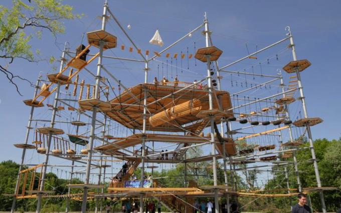 Картинки по запросу 2. Самый большой в России веревочный парк на ВДНХ москва