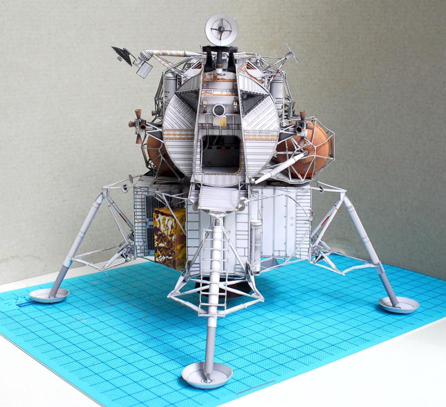 Модель космического корабля своими руками из бумаги