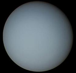 Фотография Урана с аппарата «Вояджер-2»