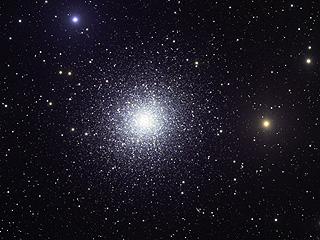 M13 - огромное шаровое звездное скопление