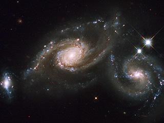 Сталкивающиеся спиральные галактики Арп 274