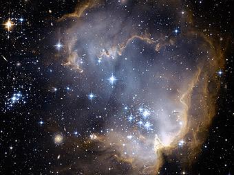 NGC 602 и за ним
