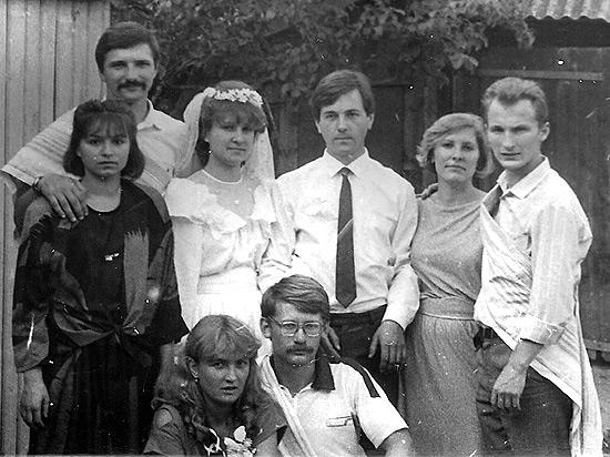 Свадьба, 1987 г., в окружении моих университетских друзей и подруг жены Татьяны