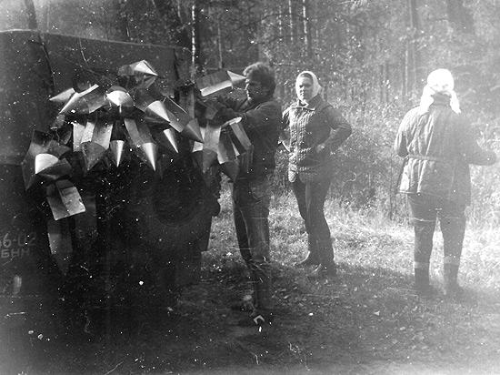 Сбор короедных ловушек, 1987 г.
